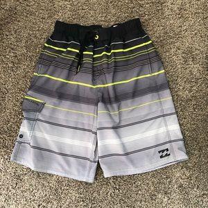 🌈4 for 20 Billabong youth shorts.  XL